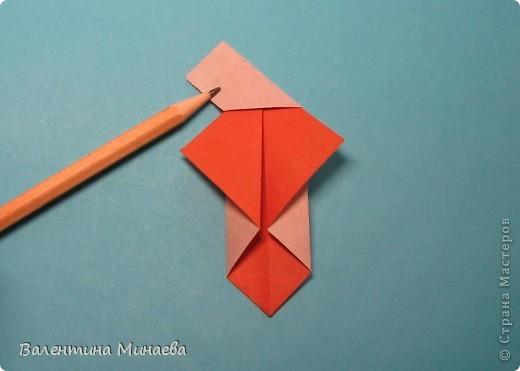 Копилка (Money-box) автор: Валентина Минаева (Valentina Minayeva) размер бумаги 7,0 х 7,0 см модули несимметричные, 60 штук итог - 12,5 см без клея (хотя в тройках модулей можно бы и подклеить для прочности), но у меня пока держится и так Еще есть видеосборка: http://www.youtube.com/watch?v=KnGOdoEh__4&feature=youtu.be  фото 7
