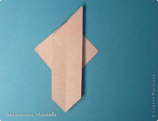 Копилка (Money-box) автор: Валентина Минаева (Valentina Minayeva) размер бумаги 7,0 х 7,0 см модули несимметричные, 60 штук итог - 12,5 см без клея (хотя в тройках модулей можно бы и подклеить для прочности), но у меня пока держится и так Еще есть видеосборка: http://www.youtube.com/watch?v=KnGOdoEh__4&feature=youtu.be  фото 14