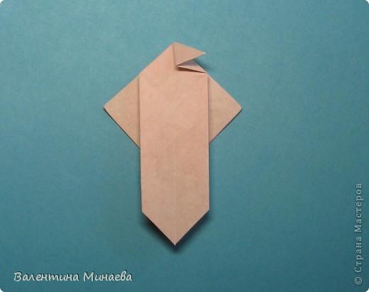 Копилка (Money-box) автор: Валентина Минаева (Valentina Minayeva) размер бумаги 7,0 х 7,0 см модули несимметричные, 60 штук итог - 12,5 см без клея (хотя в тройках модулей можно бы и подклеить для прочности), но у меня пока держится и так Еще есть видеосборка: http://www.youtube.com/watch?v=KnGOdoEh__4&feature=youtu.be  фото 16