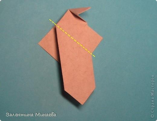 Копилка (Money-box) автор: Валентина Минаева (Valentina Minayeva) размер бумаги 7,0 х 7,0 см модули несимметричные, 60 штук итог - 12,5 см без клея (хотя в тройках модулей можно бы и подклеить для прочности), но у меня пока держится и так Еще есть видеосборка: http://www.youtube.com/watch?v=KnGOdoEh__4&feature=youtu.be  фото 17