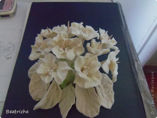 на основу-сердце наделала цветков и закрепила на шпажках фото 4