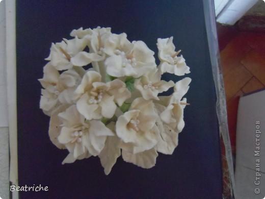 на основу-сердце наделала цветков и закрепила на шпажках фото 1