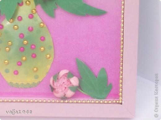 Здравствуйте дорогие жители Страны Мастеров!!!  Преставляю вам  пионы,  которые сделала по МК  Ольги  Ольшак!   Оля,  большое спасибо! Я долго к ним присматривалась  и  наконец  решилась! Для  рамочки опять использовала  коробочку  из под  конфет, а фон  обёрточный  материал для цветов, купленный  в салоне для цветов! Вот такие  пионы  у меня получились! Приятного  просмотра! фото 5
