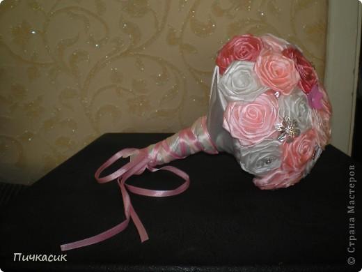 Букет из лент и цветы из полимерной глины фото 3