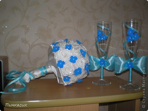 Букет из лент и цветы из полимерной глины фото 1