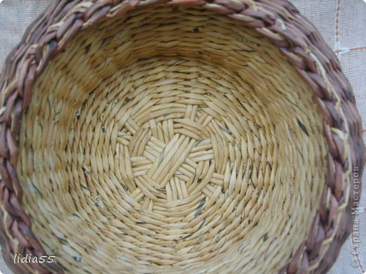 Мастер-класс Поделка изделие Плетение двойное дно Бумага Бумага газетная Трубочки бумажные фото 12