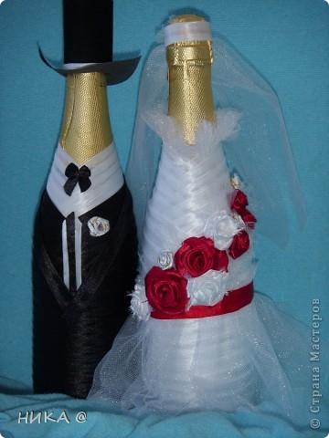 Оригинальная невеста в красном,Классический жених. фото 2
