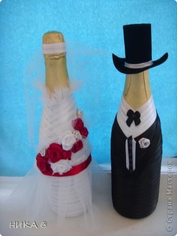 Оригинальная невеста в красном,Классический жених. фото 1