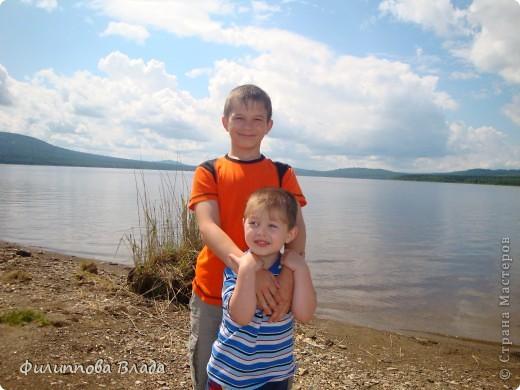 Здравствуйте все, кто решил познакомится с моим блогом. Решила рассказать о нашей первой семейной поезке, на которую настраивались мы чуть ли не 2 года. Ехать далеко было страшно, поэтому решили посмотреть Урал-благо он рядом. Посмотреть чудо-парк на озере Зюраткуль надоумила нас моя мама. Бонусом мы решили посетить аквапарк в г. Магнитогорске. фото 3