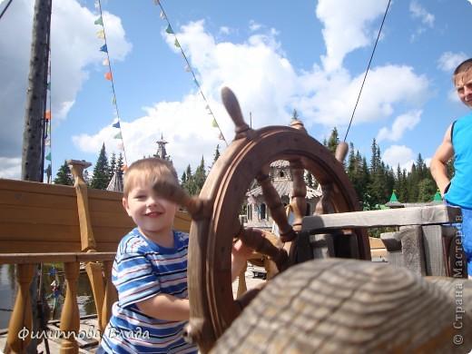 Здравствуйте все, кто решил познакомится с моим блогом. Решила рассказать о нашей первой семейной поезке, на которую настраивались мы чуть ли не 2 года. Ехать далеко было страшно, поэтому решили посмотреть Урал-благо он рядом. Посмотреть чудо-парк на озере Зюраткуль надоумила нас моя мама. Бонусом мы решили посетить аквапарк в г. Магнитогорске. фото 8