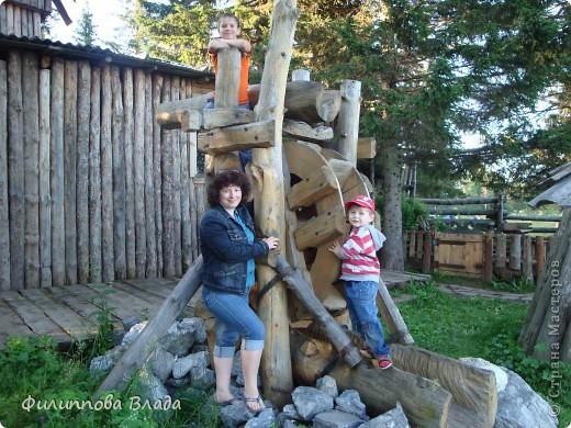 Здравствуйте все, кто решил познакомится с моим блогом. Решила рассказать о нашей первой семейной поезке, на которую настраивались мы чуть ли не 2 года. Ехать далеко было страшно, поэтому решили посмотреть Урал-благо он рядом. Посмотреть чудо-парк на озере Зюраткуль надоумила нас моя мама. Бонусом мы решили посетить аквапарк в г. Магнитогорске. фото 33
