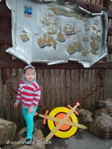 Здравствуйте все, кто решил познакомится с моим блогом. Решила рассказать о нашей первой семейной поезке, на которую настраивались мы чуть ли не 2 года. Ехать далеко было страшно, поэтому решили посмотреть Урал-благо он рядом. Посмотреть чудо-парк на озере Зюраткуль надоумила нас моя мама. Бонусом мы решили посетить аквапарк в г. Магнитогорске. фото 36
