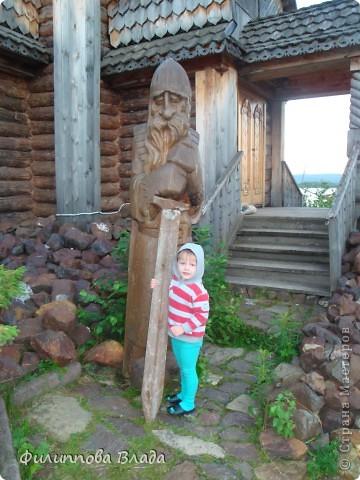 Здравствуйте все, кто решил познакомится с моим блогом. Решила рассказать о нашей первой семейной поезке, на которую настраивались мы чуть ли не 2 года. Ехать далеко было страшно, поэтому решили посмотреть Урал-благо он рядом. Посмотреть чудо-парк на озере Зюраткуль надоумила нас моя мама. Бонусом мы решили посетить аквапарк в г. Магнитогорске. фото 38