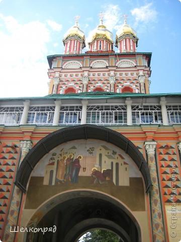 Скажите, разве можно быть в Москве и не побывать в Сергиевом Посаде - небольшом, тихом городке в Подмосковье? Тем более что представился счастливый случай. фото 7