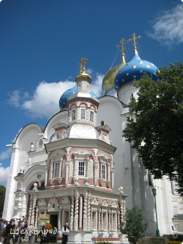 Скажите, разве можно быть в Москве и не побывать в Сергиевом Посаде - небольшом, тихом городке в Подмосковье? Тем более что представился счастливый случай. фото 12