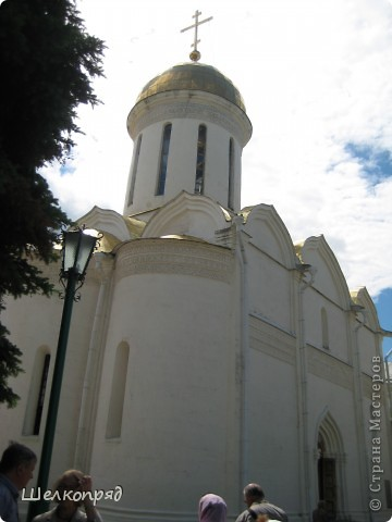Скажите, разве можно быть в Москве и не побывать в Сергиевом Посаде - небольшом, тихом городке в Подмосковье? Тем более что представился счастливый случай. фото 13