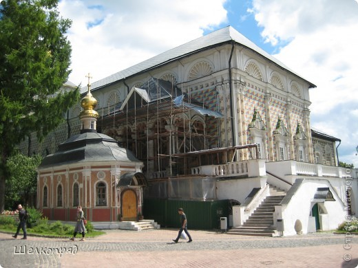 Скажите, разве можно быть в Москве и не побывать в Сергиевом Посаде - небольшом, тихом городке в Подмосковье? Тем более что представился счастливый случай. фото 14