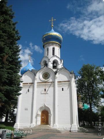 Скажите, разве можно быть в Москве и не побывать в Сергиевом Посаде - небольшом, тихом городке в Подмосковье? Тем более что представился счастливый случай. фото 15