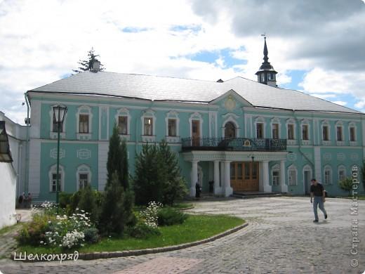 Скажите, разве можно быть в Москве и не побывать в Сергиевом Посаде - небольшом, тихом городке в Подмосковье? Тем более что представился счастливый случай. фото 17