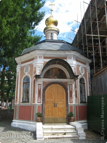 Скажите, разве можно быть в Москве и не побывать в Сергиевом Посаде - небольшом, тихом городке в Подмосковье? Тем более что представился счастливый случай. фото 18