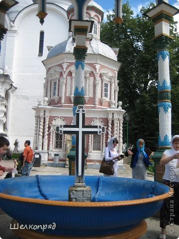 Скажите, разве можно быть в Москве и не побывать в Сергиевом Посаде - небольшом, тихом городке в Подмосковье? Тем более что представился счастливый случай. фото 21