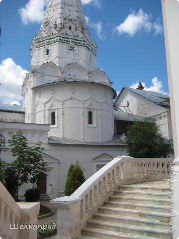 Скажите, разве можно быть в Москве и не побывать в Сергиевом Посаде - небольшом, тихом городке в Подмосковье? Тем более что представился счастливый случай. фото 24