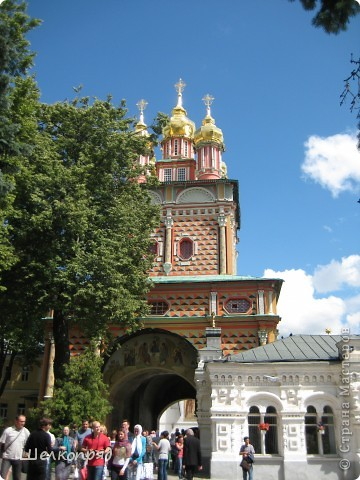 Скажите, разве можно быть в Москве и не побывать в Сергиевом Посаде - небольшом, тихом городке в Подмосковье? Тем более что представился счастливый случай. фото 39