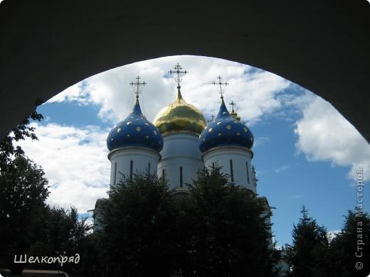 Скажите, разве можно быть в Москве и не побывать в Сергиевом Посаде - небольшом, тихом городке в Подмосковье? Тем более что представился счастливый случай. фото 42