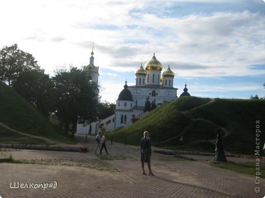 Скажите, разве можно быть в Москве и не побывать в Сергиевом Посаде - небольшом, тихом городке в Подмосковье? Тем более что представился счастливый случай. фото 56