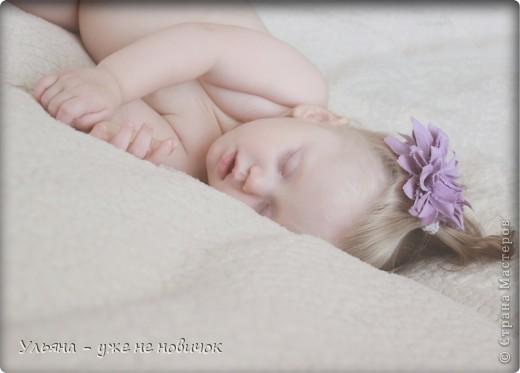 это спит мое младшее солнце - а я на ней тренируюсь, потому что зеркалка фоткает только мои украшалки-лепилки, не порядок))))))))) фото 2