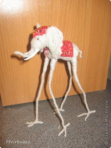 По мотивам великого мастера Сальвадора Дали родилась у меня идея для подарка - Слон на длинных ножках.. Вот собственно и он фото 1