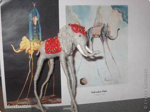 По мотивам великого мастера Сальвадора Дали родилась у меня идея для подарка - Слон на длинных ножках.. Вот собственно и он фото 3