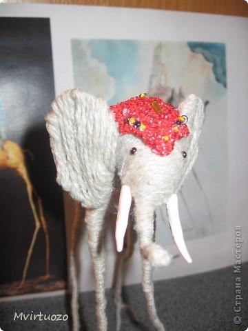 По мотивам великого мастера Сальвадора Дали родилась у меня идея для подарка - Слон на длинных ножках.. Вот собственно и он фото 4