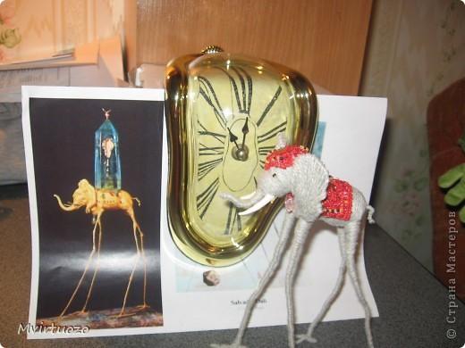 По мотивам великого мастера Сальвадора Дали родилась у меня идея для подарка - Слон на длинных ножках.. Вот собственно и он фото 2