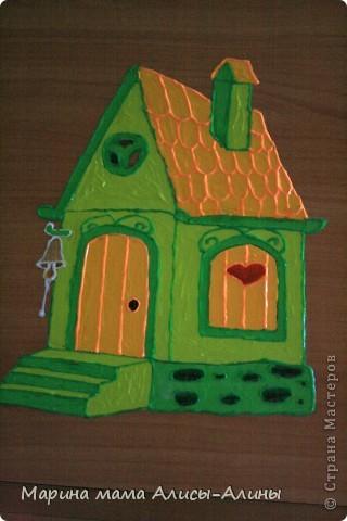 """Алиска на """"втором этаже"""".    Родилась у меня вторая дочка Алина.И купили мы двухэтажную кровать.Смотрела я на неё,смотрела...И решила раскрасить.Навыков  рисования никаких,но получилось на мой взгляд неплохо! фото 3"""