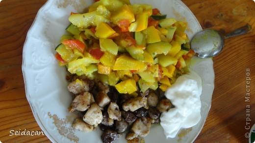 Всем привет! Сегодня в меню блюдо с тыквы, цукини и болгарским красным перцемю А также кролячье мясо и печень ) Готовится быстро, а сьедается еще быстрее!) фото 2