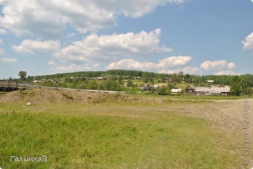 Во время своей поездки на Урал съездили мы в очень живописное место. Это село Косья. Расположено оно в окружении живописных лесистых холмов. фото 7