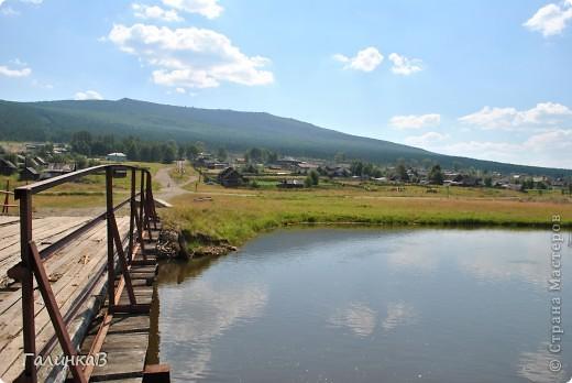 Во время своей поездки на Урал съездили мы в очень живописное место. Это село Косья. Расположено оно в окружении живописных лесистых холмов. фото 9