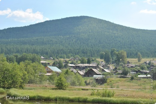 Во время своей поездки на Урал съездили мы в очень живописное место. Это село Косья. Расположено оно в окружении живописных лесистых холмов. фото 12