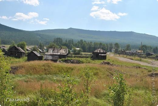 Во время своей поездки на Урал съездили мы в очень живописное место. Это село Косья. Расположено оно в окружении живописных лесистых холмов. фото 16