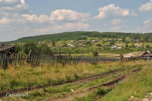 Во время своей поездки на Урал съездили мы в очень живописное место. Это село Косья. Расположено оно в окружении живописных лесистых холмов. фото 21