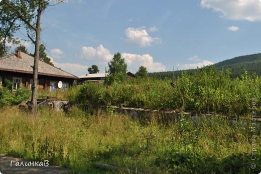 Во время своей поездки на Урал съездили мы в очень живописное место. Это село Косья. Расположено оно в окружении живописных лесистых холмов. фото 22