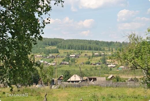 Во время своей поездки на Урал съездили мы в очень живописное место. Это село Косья. Расположено оно в окружении живописных лесистых холмов. фото 24