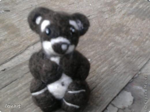 мой первенец. Наверно ребенок коалы. Хотя делала просто мишку. Извините за качество фотографий. Фотографировала на телефон. фото 1