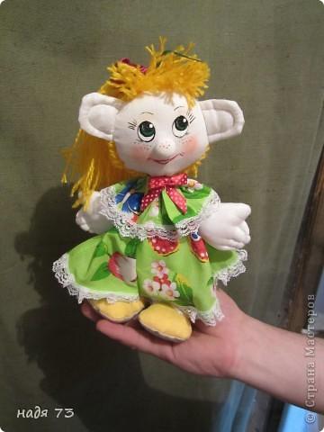 Это работы моей подруги Гали,я только рисовала глаза.Эту куклу звать Конопушка-веснушка. фото 3