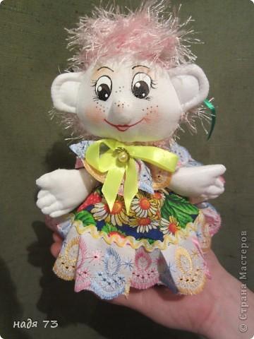 Это работы моей подруги Гали,я только рисовала глаза.Эту куклу звать Конопушка-веснушка. фото 5