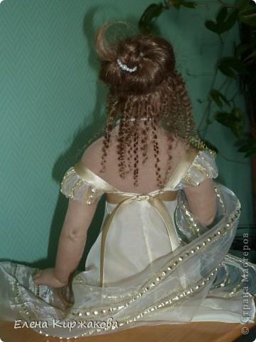 """Дамочка из эпохи начала 19 века. Наряд пыталась изобразить в стиле """"Ампир"""". Она устала после бала и присела отдохнуть. Полный рост 47 см, сидя 43 см. фото 4"""