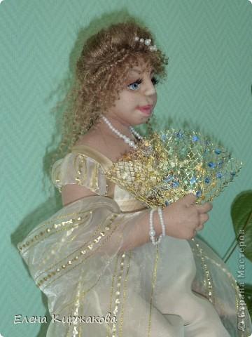 """Дамочка из эпохи начала 19 века. Наряд пыталась изобразить в стиле """"Ампир"""". Она устала после бала и присела отдохнуть. Полный рост 47 см, сидя 43 см. фото 8"""