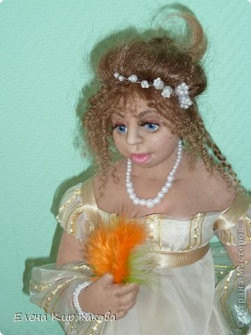 """Дамочка из эпохи начала 19 века. Наряд пыталась изобразить в стиле """"Ампир"""". Она устала после бала и присела отдохнуть. Полный рост 47 см, сидя 43 см. фото 6"""