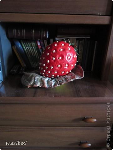 Понесло меня на конфетницы как на подводные рифы. Вот высидела я еще две. На этот раз ягодки. Спасибо Ольге Миловой за МК по которому они создавались . фото 29